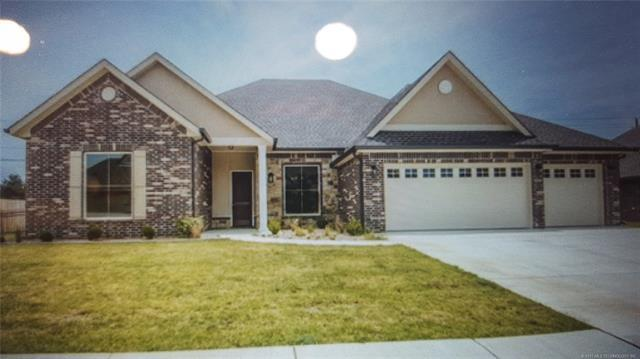 6213 Sawgrass Drive, Bartlesville, OK 74006 (MLS #1744864) :: The Boone Hupp Group at Keller Williams Realty Preferred
