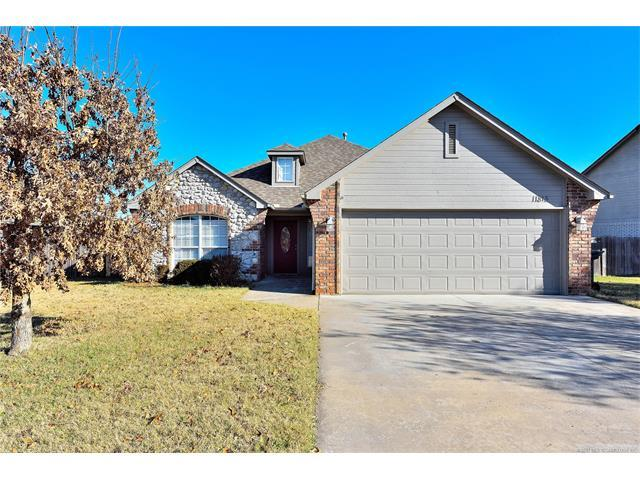 11815 N 117th East Avenue, Collinsville, OK 74021 (MLS #1745097) :: The Boone Hupp Group at Keller Williams Realty Preferred