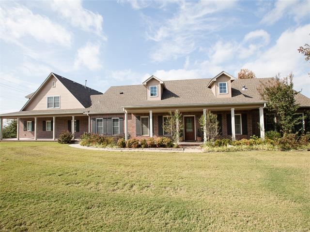 13020 S 14th Place, Jenks, OK 74037 (MLS #1746224) :: The Boone Hupp Group at Keller Williams Realty Preferred