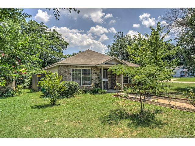 453 S 67th East Avenue, Tulsa, OK 74112 (MLS #1747167) :: The Boone Hupp Group at Keller Williams Realty Preferred