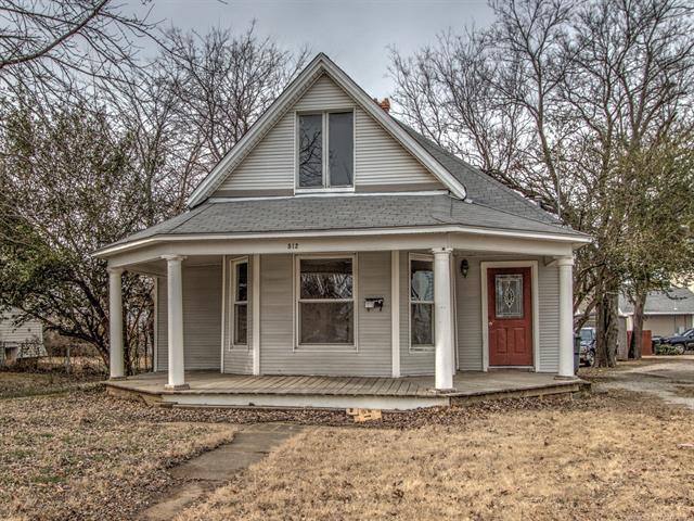512 S Poplar Street, Sapulpa, OK 74066 (MLS #1800239) :: The Boone Hupp Group at Keller Williams Realty Preferred