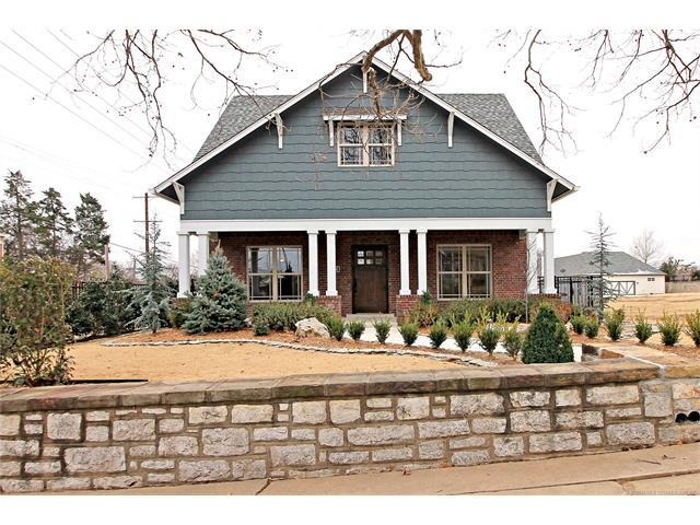 2336 E 17th Street, Tulsa, OK 74104 (MLS #1800356) :: Brian Frere Home Team
