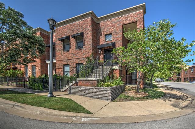 702 S Owasso Avenue B-13, Tulsa, OK 74120 (MLS #1800476) :: The Boone Hupp Group at Keller Williams Realty Preferred