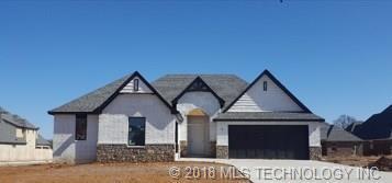 12901 S 5th Street, Jenks, OK 74037 (MLS #1802938) :: The Boone Hupp Group at Keller Williams Realty Preferred