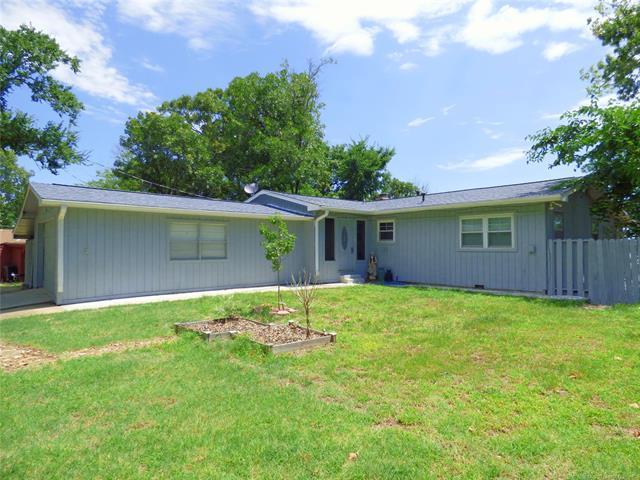415845 E 1093 Road, Checotah, OK 74426 (MLS #1803432) :: Brian Frere Home Team
