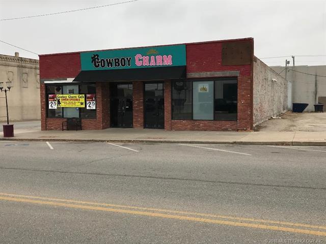 103 W Cherokee Avenue, Nowata, OK 74048 (MLS #1804481) :: Brian Frere Home Team