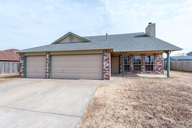 12633 N 130th East Avenue, Collinsville, OK 74021 (MLS #1805678) :: The Boone Hupp Group at Keller Williams Realty Preferred