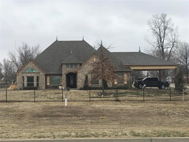 11604 N 171st East Avenue, Collinsville, OK 74021 (MLS #1805755) :: The Boone Hupp Group at Keller Williams Realty Preferred