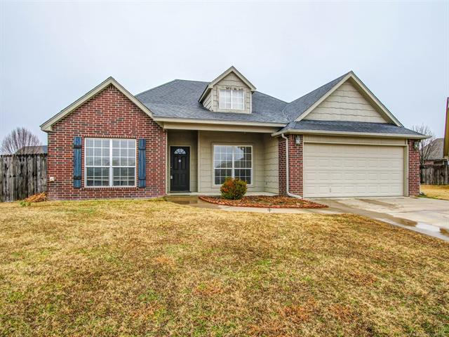 119 W 134th Court North, Skiatook, OK 74070 (MLS #1805836) :: 918HomeTeam - KW Realty Preferred