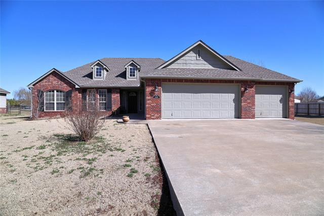 13539 S 234th East Avenue, Coweta, OK 74429 (MLS #1806306) :: The Boone Hupp Group at Keller Williams Realty Preferred