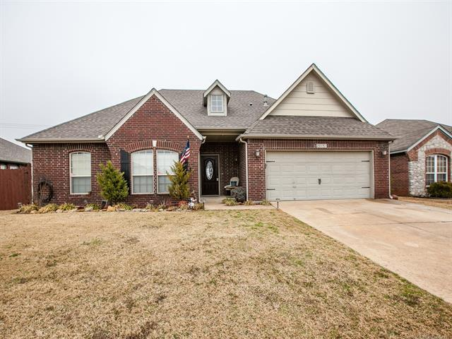 20151 E 31st Place S, Broken Arrow, OK 74014 (MLS #1806471) :: 918HomeTeam - KW Realty Preferred