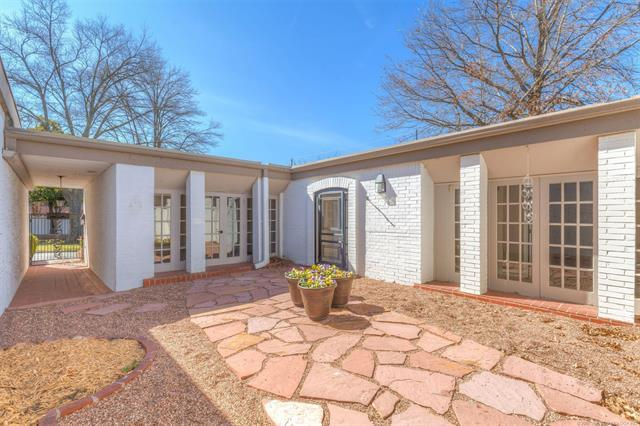 2404 E 72nd Place S 3-3A1, Tulsa, OK 74136 (MLS #1808097) :: Hopper Group at RE/MAX Results