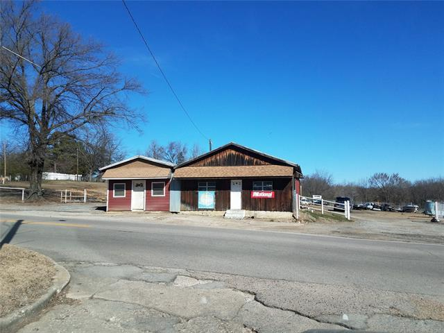 202 W Columbia Street, Okemah, OK 74859 (MLS #1808273) :: Hopper Group at RE/MAX Results