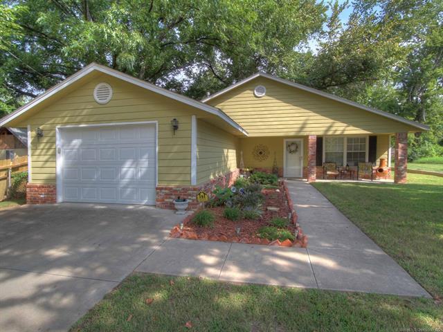 409 E Mckinley Avenue, Sapulpa, OK 74066 (MLS #1809412) :: The Boone Hupp Group at Keller Williams Realty Preferred
