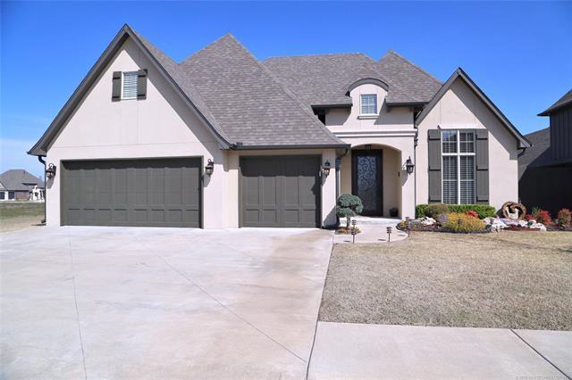 4505 S 172nd East Avenue, Tulsa, OK 74134 (MLS #1811172) :: Brian Frere Home Team