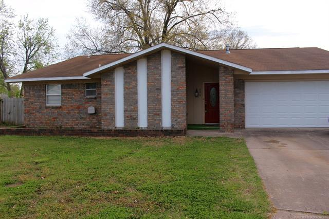 400 Cobblestone Court, Pryor, OK 74361 (MLS #1811699) :: Brian Frere Home Team