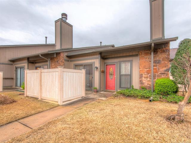 6179 S Zunis Avenue #6179, Tulsa, OK 74136 (MLS #1812400) :: Hopper Group at RE/MAX Results