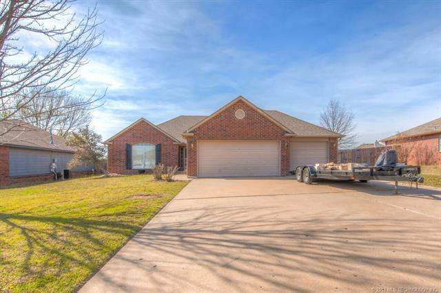 11802 N 108th East Avenue, Collinsville, OK 74021 (MLS #1812885) :: Hopper Group at RE/MAX Results
