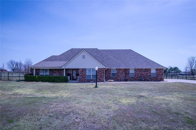 7108 E 147th Street North, Collinsville, OK 74021 (MLS #1813126) :: Hopper Group at RE/MAX Results