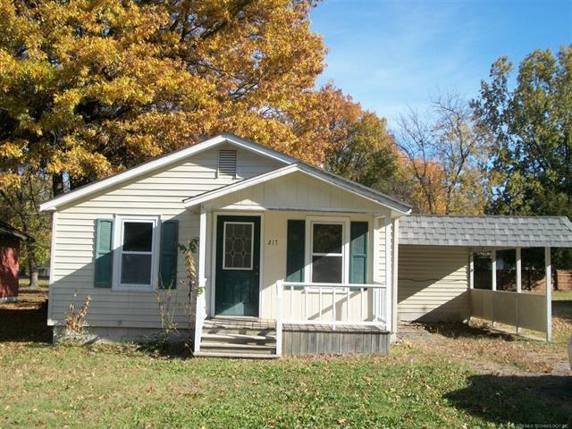 217 N Rowe Street, Pryor, OK 74361 (MLS #1817930) :: Hopper Group at RE/MAX Results
