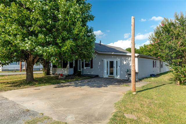 310 Main Street, Krebs, OK 74432 (MLS #1821638) :: Hopper Group at RE/MAX Results