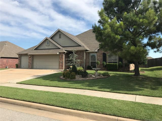 3312 E Emmitsburg Place S, Broken Arrow, OK 74014 (MLS #1823284) :: American Home Team