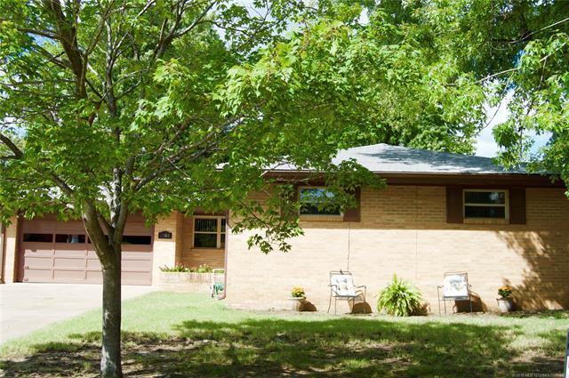 4948 Amherst Drive, Bartlesville, OK 74006 (MLS #1824417) :: American Home Team