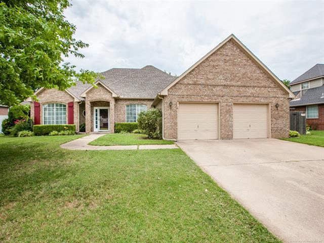 7604 N 127th Avenue, Owasso, OK 74055 (MLS #1826305) :: Hopper Group at RE/MAX Results