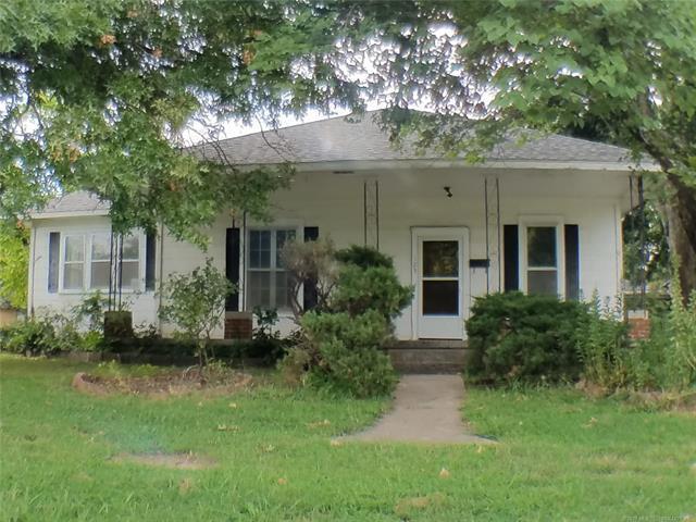 123 N Vann Street, Pryor, OK 74361 (MLS #1832666) :: Hopper Group at RE/MAX Results