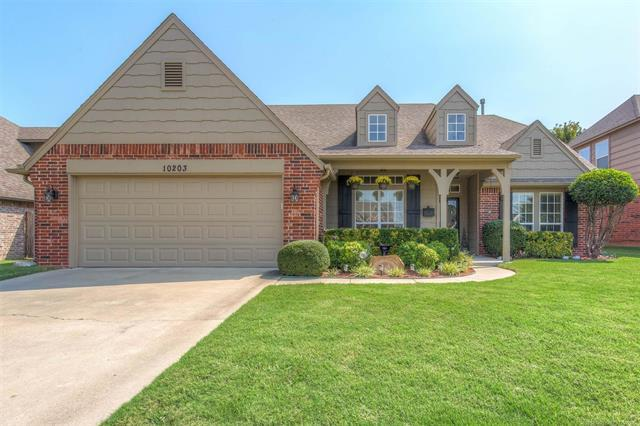 10203 N 114th East Avenue, Owasso, OK 74055 (MLS #1834961) :: Hopper Group at RE/MAX Results