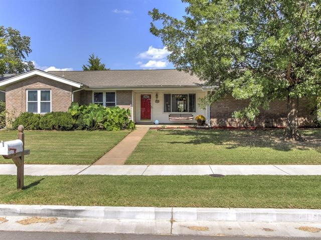 7363 E 76th Street, Tulsa, OK 74133 (MLS #1835288) :: Hopper Group at RE/MAX Results