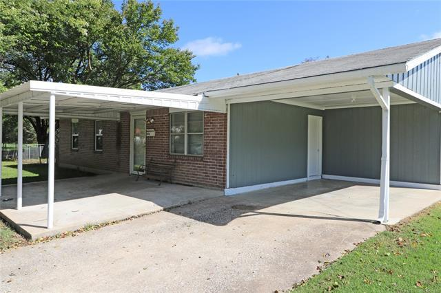 604 Trumbly Avenue, Pawhuska, OK 74056 (MLS #1835361) :: Hopper Group at RE/MAX Results