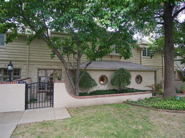 109 E 22nd Street #4, Tulsa, OK 74114 (MLS #1835601) :: Hopper Group at RE/MAX Results