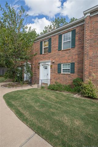 6209 S Yorktown Place #54, Tulsa, OK 74136 (MLS #1836392) :: American Home Team