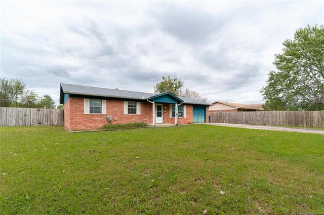 613 E Court Avenue, Mcalester, OK 74501 (MLS #1837412) :: Hopper Group at RE/MAX Results