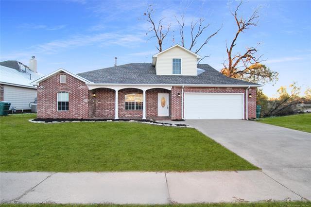 5122 Redbud Drive, Sand Springs, OK 74063 (MLS #1842579) :: RE/MAX T-town