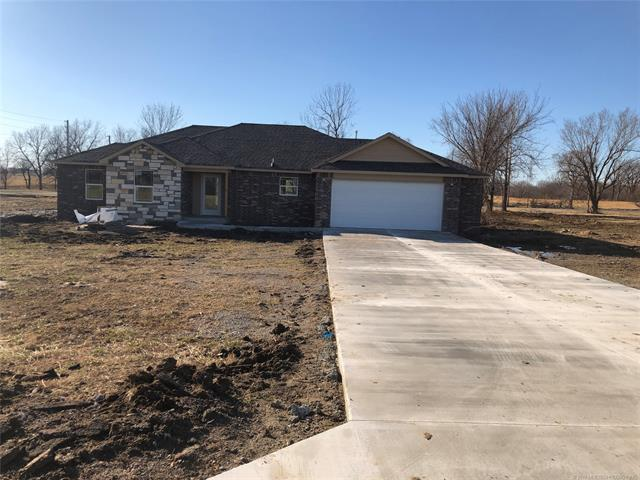 1145 S Sequoyah Drive, Oologah, OK 74053 (MLS #1844691) :: Hopper Group at RE/MAX Results