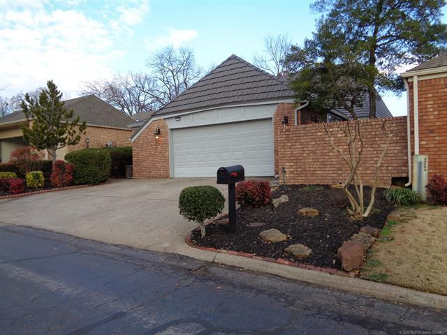 7243 S Birmingham Avenue, Tulsa, OK 74136 (MLS #1902355) :: 918HomeTeam - KW Realty Preferred