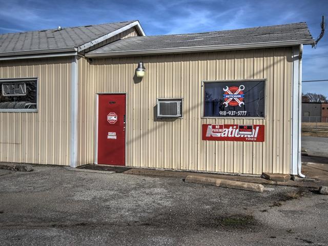 294 E Ketchum Avenue, Ketchum, OK 74349 (MLS #1908903) :: Hopper Group at RE/MAX Results