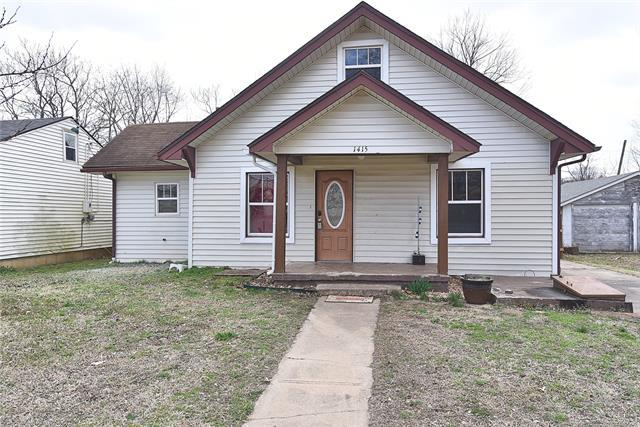 1415 W Spring Street, Collinsville, OK 74021 (MLS #1909965) :: Hopper Group at RE/MAX Results