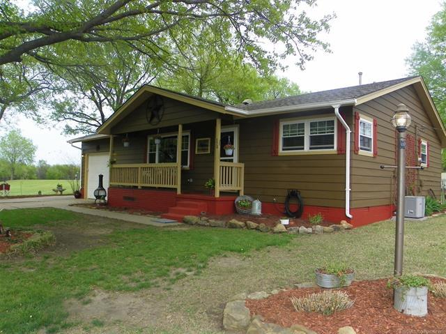 370 Basin Street, Nowata, OK 74048 (MLS #1913311) :: Hopper Group at RE/MAX Results