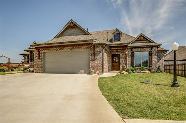 10515 E 141st Court North, Collinsville, OK 74021 (MLS #1918436) :: Hopper Group at RE/MAX Results