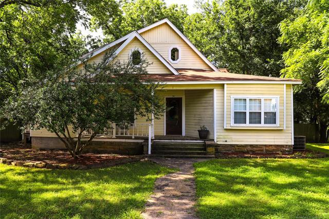 24 Townsend Avenue, Mcalester, OK 74501 (MLS #1918599) :: 918HomeTeam - KW Realty Preferred