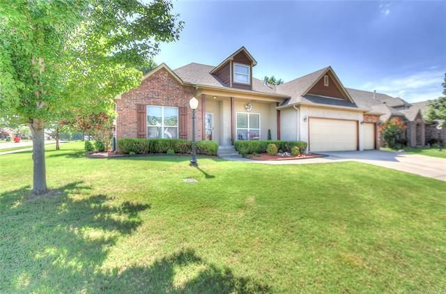 10302 N 143rd East Avenue, Owasso, OK 74055 (MLS #1921802) :: Hopper Group at RE/MAX Results