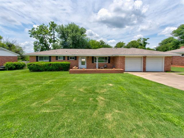 4934 S Olympia Avenue W, Tulsa, OK 74107 (MLS #1923325) :: Hopper Group at RE/MAX Results