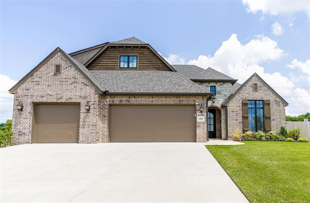 3902 W Tucson Place, Broken Arrow, OK 74011 (MLS #1923418) :: Hopper Group at RE/MAX Results