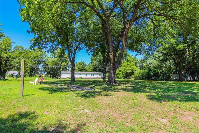 612 E Gentry Avenue, Checotah, OK 74426 (MLS #1923660) :: Hopper Group at RE/MAX Results