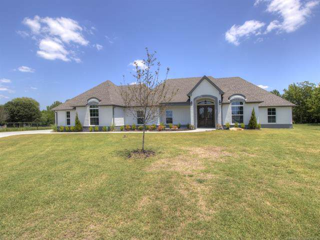 15519 E 82nd Street North, Owasso, OK 74055 (MLS #1925923) :: Hopper Group at RE/MAX Results