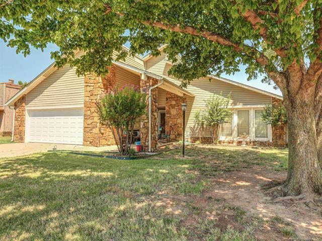 9241 E 58th Place, Tulsa, OK 74145 (MLS #1926690) :: 918HomeTeam - KW Realty Preferred
