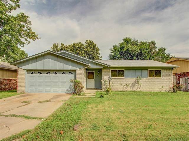 10641 E 33rd Street, Tulsa, OK 74146 (MLS #1932941) :: 918HomeTeam - KW Realty Preferred
